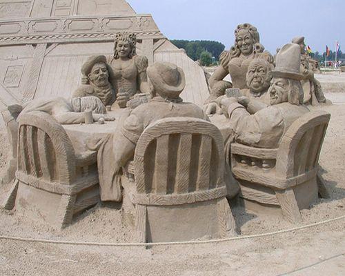 Poker Game sand sculpture art