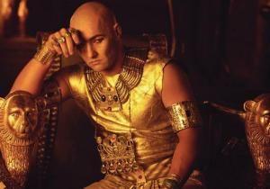 Příběh faraóna, který neměl s kým válčit. Tak vymyslel geniální politický trik