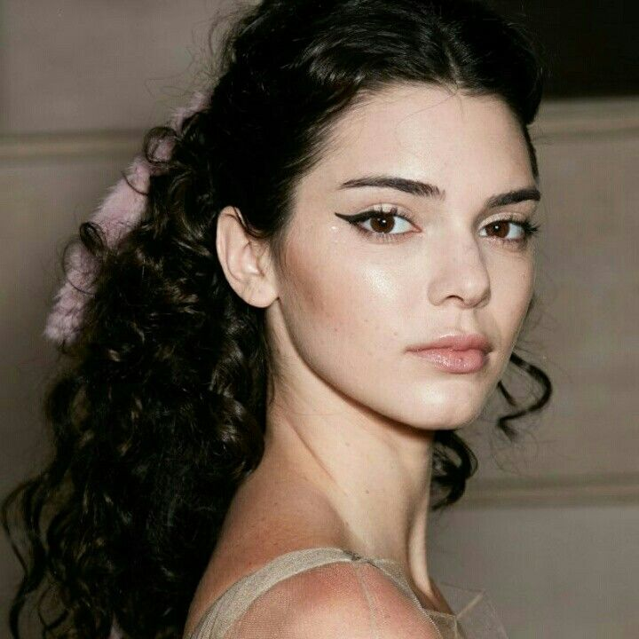 Kendall Jenner is so gorgeous