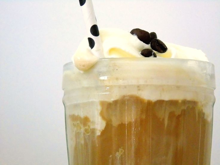 """Eiskaffee """"Costa Rica Honey"""" mit selbstgemachter Kaffee-Eiscreme"""