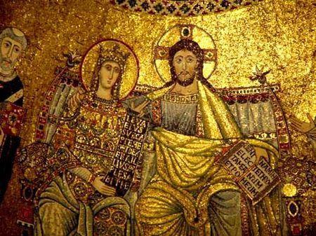 La vierge Marie peut être représentée et confondue avec l'Impératrice. L'art paléochrétien est un art qui s'est répandu entre le troisième et le cinquième siècle. Son nom marque le début de l'art tourné vers la religion chrétienne .