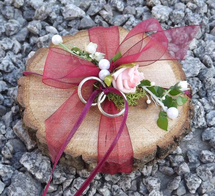 Ringkissen Ringhalter Holzscheibe rund weinrot bordeaux für Eheringe Hochzeit in Kleidung & Accessoires, Hochzeit & Besondere Anlässe, Braut-Accessoires | eBay!