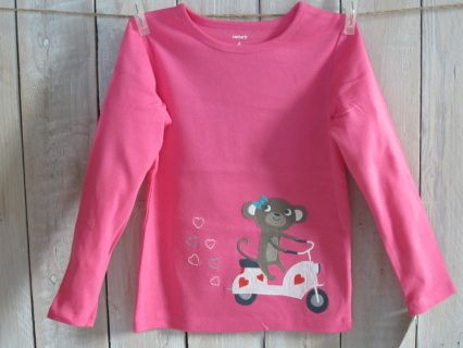 NEW with tag! Join me for a ride, little lady! Pretty pink CARTER'S longsleeve top. Size 4 Measurements : width 31 cm, length 43 cm, sleeve length 39 cm 102-108 cm / 16,8-17,7 kg Code G038