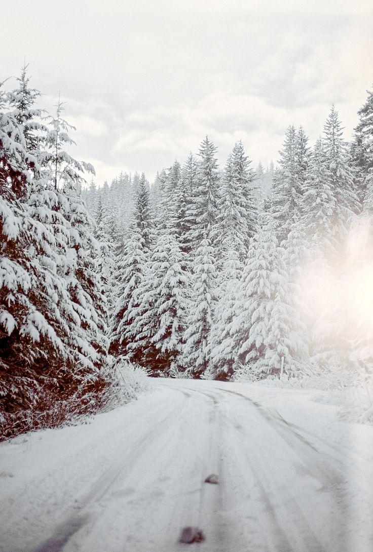 snoqualmie pass//