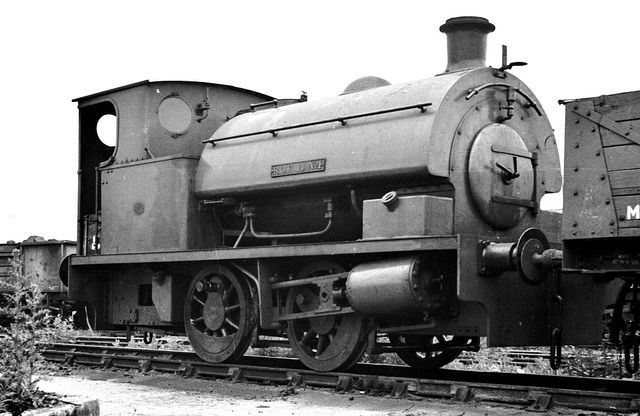 Royal Ordnance Factory saddle tank at Horton Rd for repair