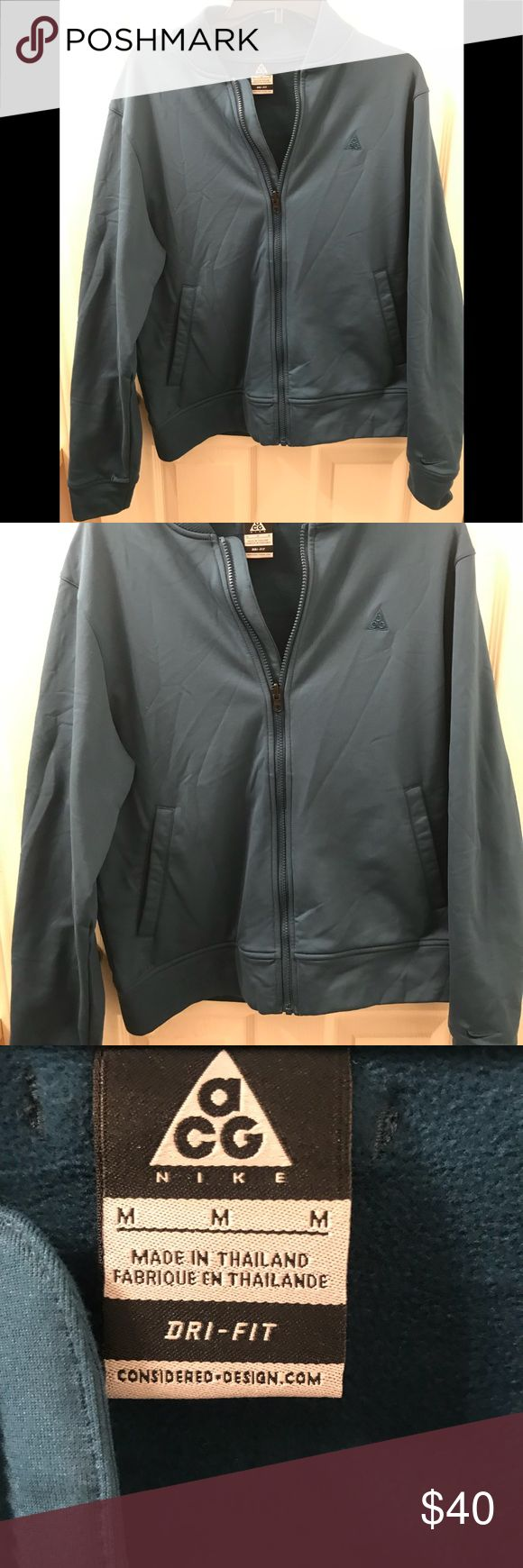 Nike ACG DRI-Fit teal Women's Jacket EUC Medium Women's Nike ACG DriFit teal green athletic jacket. Like new with no holes, rips or stains! 🍁☕️ Nike ACG Jackets & Coats