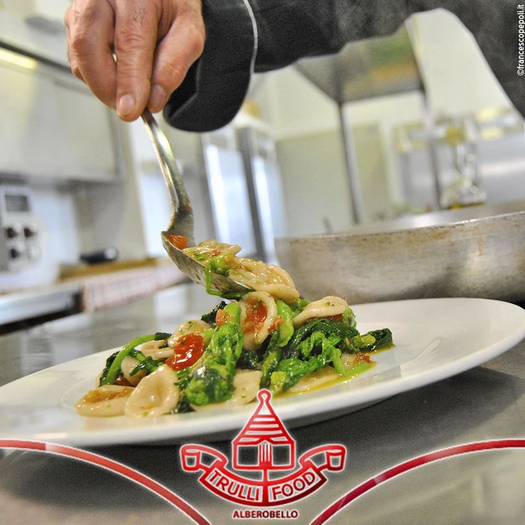 La cucina è un atto d'amore, racchiuso in ogni gesto. Amore per le proprie origini, per il territorio, per la qualità che rivive in ogni singolo piatto del Ristorante Terminal