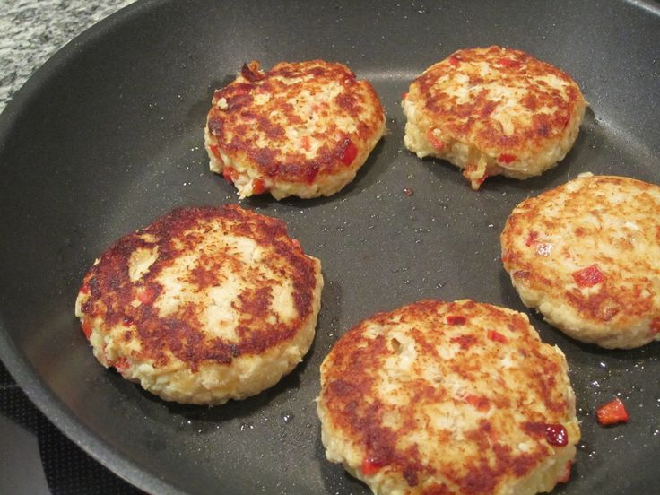 Florida Fish Cakes - luisana cooks--interesting, but may need more binder, egg and some crackers maybe.