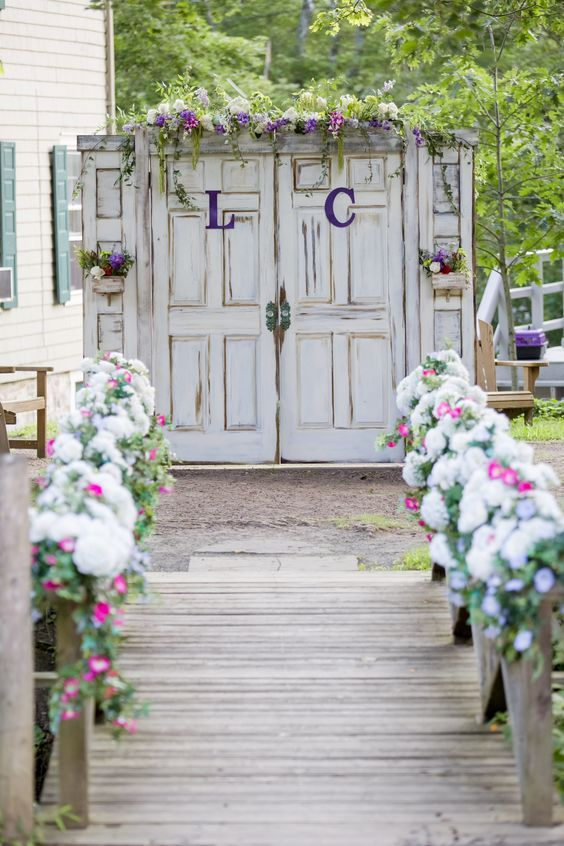 rustic old door wedding enter ideas / http://www.deerpearlflowers.com/country-rustic-fall-wedding-theme-ideas/2/