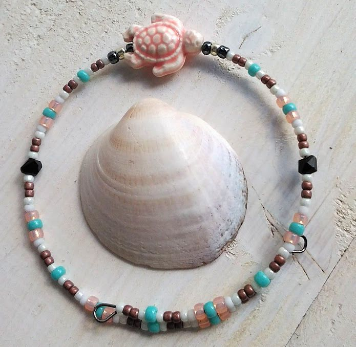 Turtle memory wire bracelet/Turtle bracelet/Summer jewelry/Pink bracelet/Girl wire bracelet/Woman bracelet/Beach armband/Beaded bracelet/summerbeachisland.etsy.com € 8.95