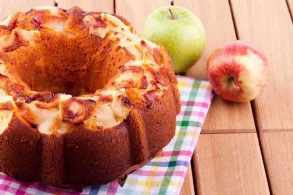 9 Mouthwatering Apple Cake Recipes