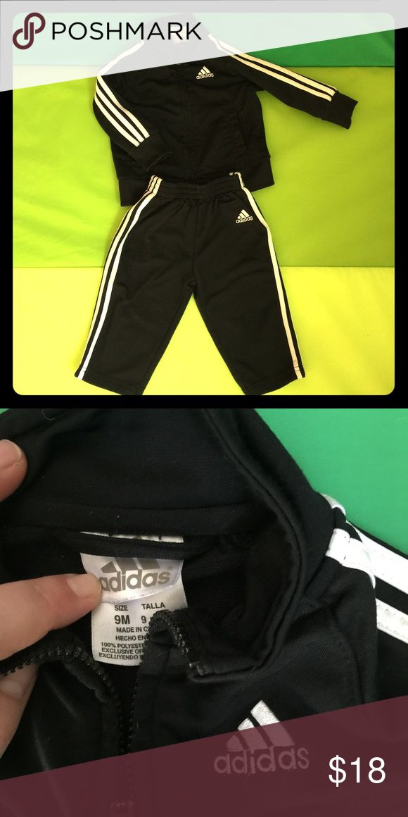 Baby Adidas tracksuit! CLASSIC! Adorable! 2piece set in Good used condition! Adidas Matching Sets