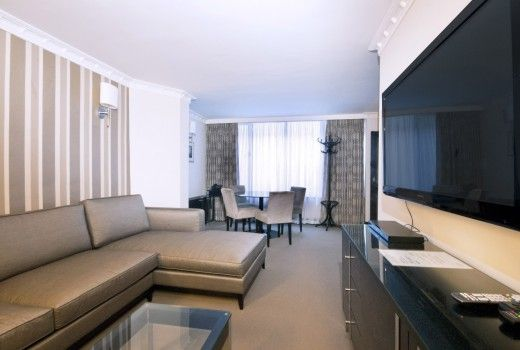 Mayfair Vacation Rentals | short term rental london | London self catering accommodation Apartment Rentals, London: Spacious And Modern 1Bedroom Flat in Mayfair @HolidayPorch https://www.holidayporch.com/rental-1456