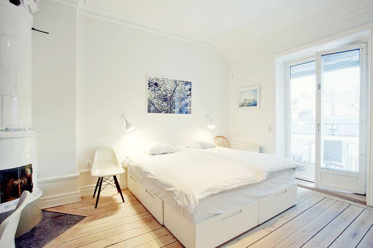Indbygget seng med opbevaringsgavl | Inspiration