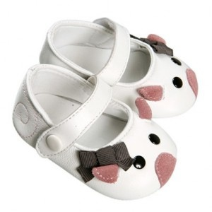 Little Marc Jacobs mouse shoes....I need someone to have a little girl!!!