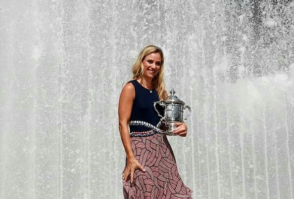 Posing with my #USOpen trophy  #NYC #AngieTeam