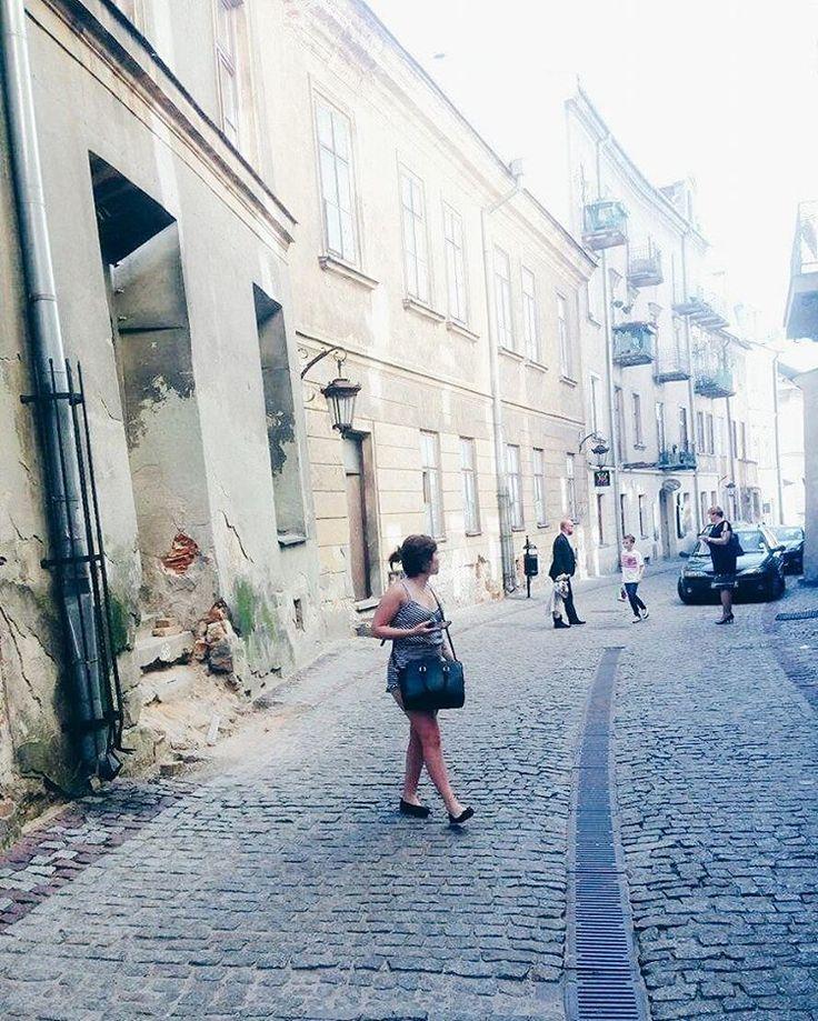 Tupu tupu  #kiniewlublinie #kochamcie  #lublin #2k17 #wakacje #zwiedzanie #Gizelaphotography #girl #lublincity #city #goodlife #goodtimes #goodday #summer #polskadziewczyna  #polska #poland #travel #podroze #oldtown #holiday #instagirl #street #singing��  #sunnyday #hajssiezgadza #friends #patola #500+ #hwdp http://tipsrazzi.com/ipost/1524805143348919776/?code=BUpMjL5AD3g