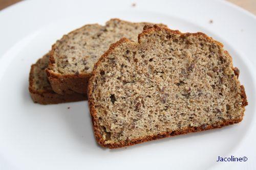 Ontbijtkoek: glutenvrij, koolhydraatarm en suikervrij     Mijn koolhydraatarm brood en suikervrije ontbijtkoek zijn enorm populair. V...