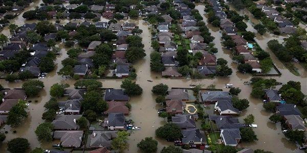 Χιούστον: Το βάρος του νερού από τον τυφώνα Χάρβεϊ έκαμψε τον φλοιό της Γης