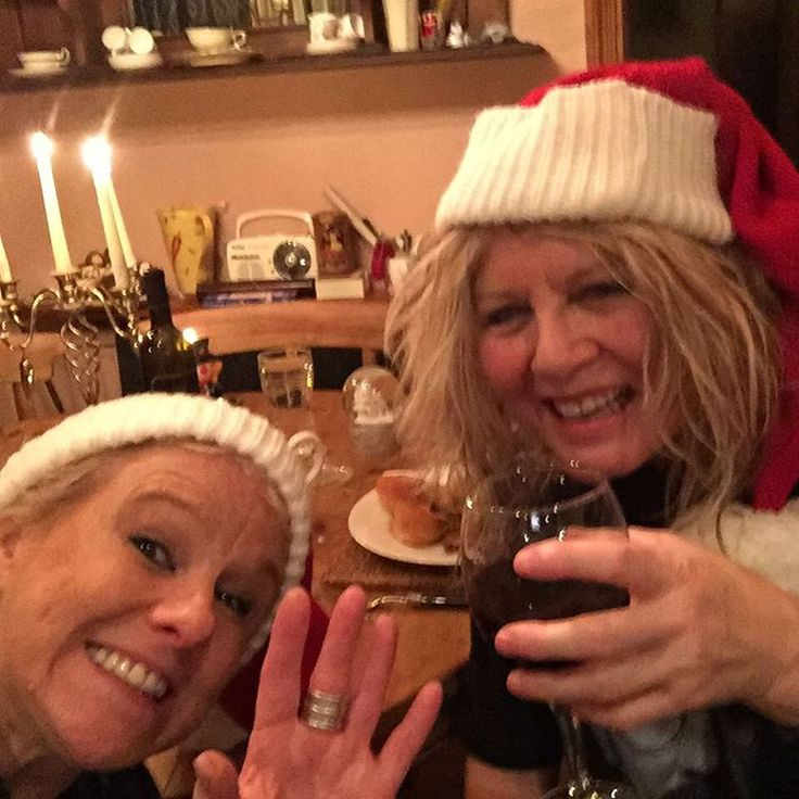 ❤️ sending you loads of Christmas love xx It's Girls Girls Girls ! Sunday 27th - special afternoon show at The Bull's Head Barnes - NTB on stage 2.30pm and we have a festive treat in store for you with not 1 - not 2 - but 3 amazing guest artists ! They are: Rock Goddess Gemma Dorsett and Soul Divas Olivia Nelson and Ruth Sandi.  Spread the last minute word with friends and see you there !