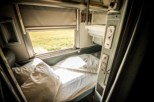 Best 25 via rail ideas on pinterest canada rail train Via rail canada cabin for 2