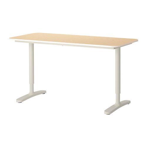 IKEA - BEKANT, Scrivania, impiallacciatura di betulla/bianco, , 10 anni di garanzia. Scopri i termini e le condizioni nell'opuscolo della garanzia.Puoi montare il piano tavolo all'altezza adatta a te, infatti le gambe sono regolabili da 65 a 85 cm.La superficie impiallacciata è durevole, resiste alle macchie ed è facile da pulire.È facile tenere in ordine la scrivania grazie alla rete per organizzare i cavi sotto il piano tavolo.