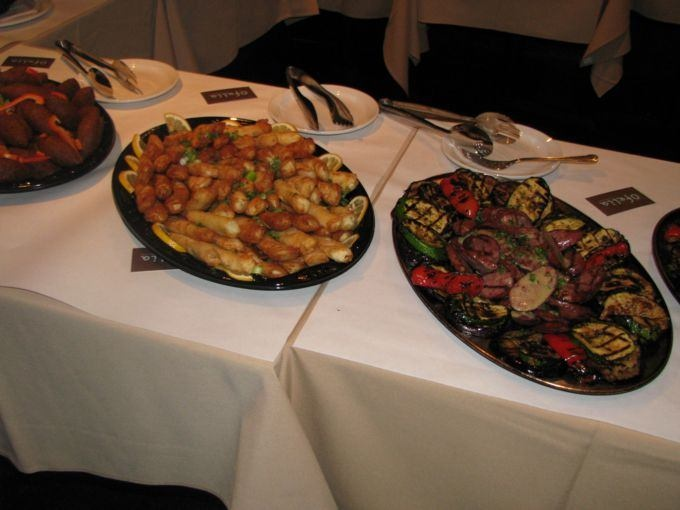 Service traiteur chez Ofelia. / Catering services at Ofelia.