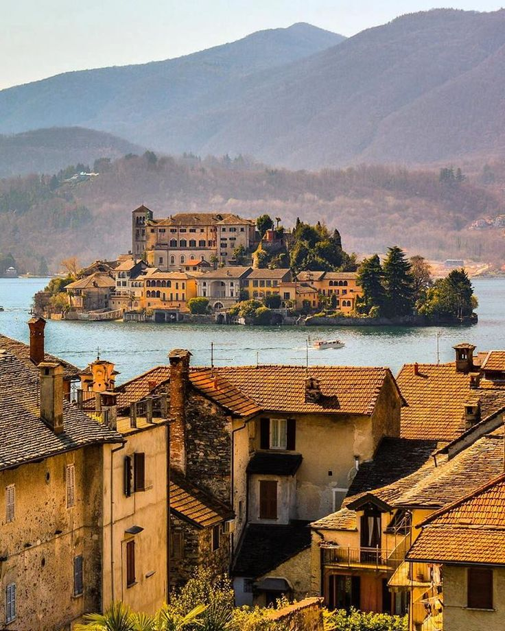 Buongiorno everybody. Let's visit the romantic Island of San Giulio on the picturesque Lake Orta.  Photo by: doounias