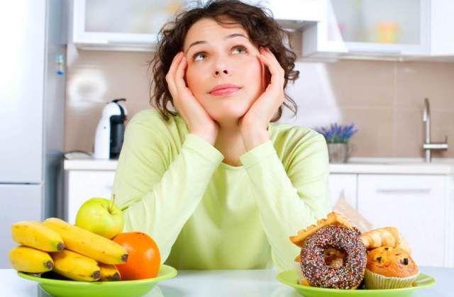 Sokakra jellemző, hogy lelki problémák, feszültség esetén az evéshez fordulnak, és nem az élettani szükséglet miatt nyúlnak az étel után, hanem a stressz váltja ki náluk a táplálkozásra való késztetést.