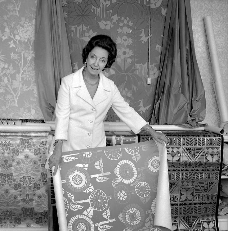 Portrait of Florence Broadhurst with wallpapers, 1970. Kerry Dundas photo.