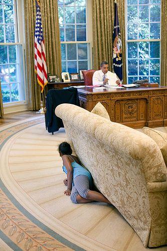 Barack Obama and Sasha: Sasha Obama, Little Girls, White Houses, Presidents Obama, Oval Offices, Precious Moments, Barack Obama, United States, Daddy Girls