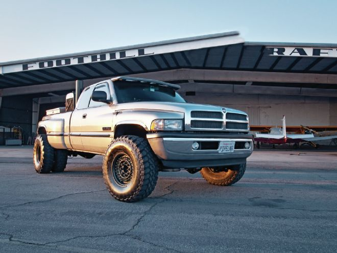 Chevy 3500 Dually Towing Capacity >> The 1999 Dodge 3500 diesel. This truck has the 5.9L ...