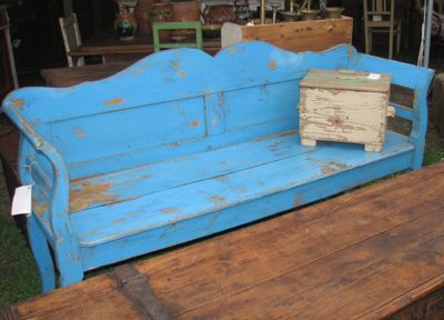 Great Rustic Blue Bench   Need To Redo My Black One Like This For A Fresh  Look   Baskets For Underneath For Storage!