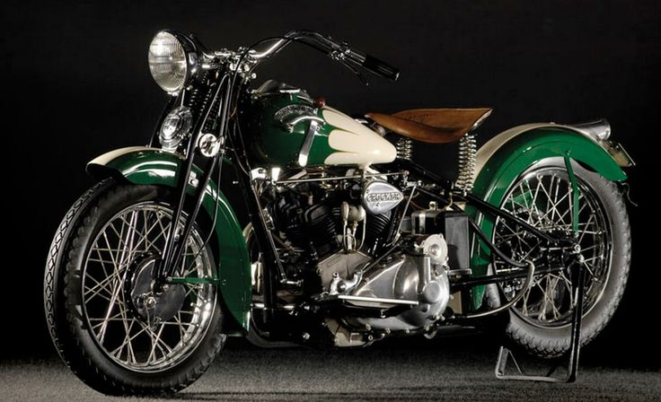 Sold by RM as part of Joe MacPherson's (of Joe's Garage fame) collection, this 1939 Crocker...
