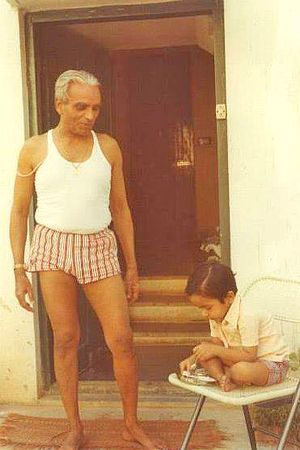 1976: BKS Iyengar in India .... #bksiyengar #iyengar #vintageyoga #yogahistory #yoga #om #yogaguru #yogafounder #yogastar