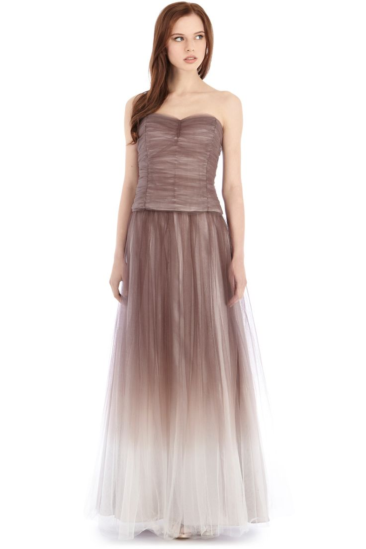 A gorgeous bodice wrapped with ruched layers of tulle and a subtle sweetheart neckline. The Della Ruched Bustier is perfect for pairing with any delicious maxi skirt for a feminine allure. The bustier is fully boned for a secure, seamless fit, comes with detachable straps for versatile wearing and has a discreet side zip fastening.