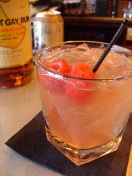 Raspberry Rum Shrub: Rum Shrub, Cocktail Recipes, Vintage Cocktails, Dishes Sweets Drinks, Amazing Drinks, Drinking Problem, Light, Raspberries