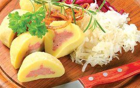 Druhý knedlíkový díl Školy vaření Olgy Štěpničkové zaujme příznivce domácí přípravy bramborových knedlíků. Těsta lze mísit z brambor syrových i vařených, studených či teplých. Základní surovina se dá nahradit cuketou.