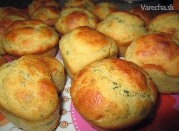 Dnes som sa rozhodla pridať túto chutnú slanú verziu muffinov. Prekvapte nimi svoju  polovičku na raňajky, zbaľte ich deťom na desiatu, či pre priateľov na piknik alebo výlet. Sú  veľmi praktické a jednoduché na prípravu.   http://nikilovemuffin.blogspot.sk