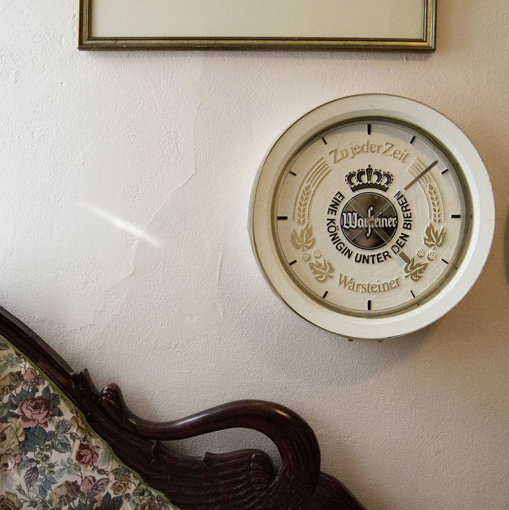 """Vintage German beer brewerania clock Warsteiner bar clock will add a taste of class, sophistication and international flavor to any man cave or basement bar area. $100 Measures 17"""" round and 4"""" thick. Works awesome. Has a dent on the side."""