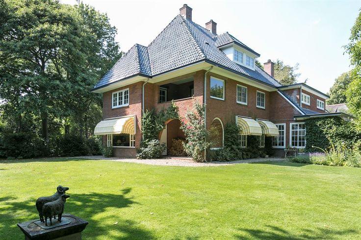 Jaren30woningen.nl   Statige #jaren30 #villa in Warnsveld