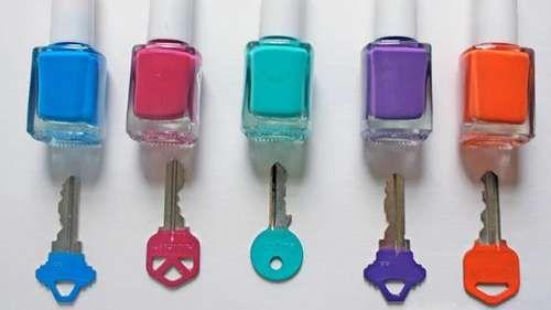 Vernis à ongle et clés