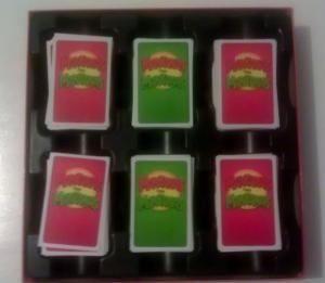 Manzanas con Manzanas es un juego diseñado para jugarse en grupo lo que lo hace ideal para fiestas y reuniones familiares.  Aprenden a jugarlo paso a paso.: Contenido de la caja