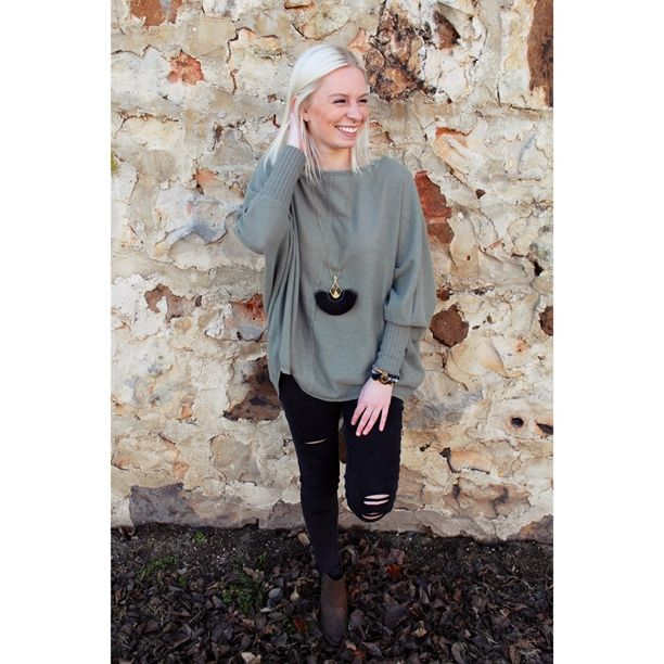 This light sweater would be perfect for today's weather! Comment below with PayPal to purchase and ship or comment for 24 hour hold #repurposeboutique#shoprepurpose#carthage#boutiquelove#style#trendy#musthaves#obsessed#fashion#sweaterready#winterready#winterlove#shopwinter
