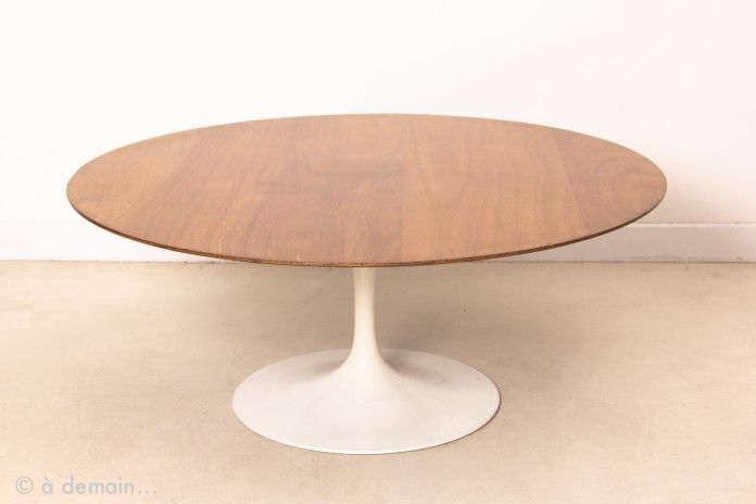Table basse tulip plateau rond en bois par e saarinen pour knoll 1960s salon pinterest Table basse saarinen