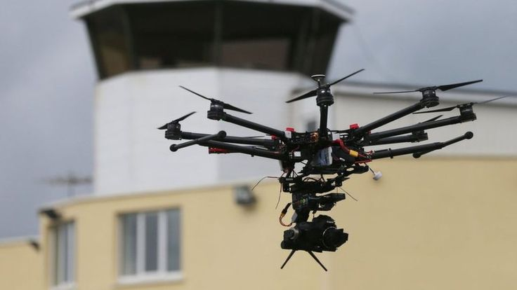 Passenger jet approaching Heathrow in drone 'near-miss' - BBC News