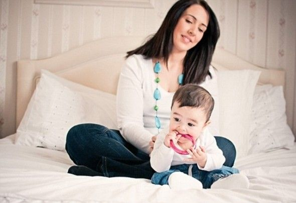 Wear Gumigem Jewellery to soothe your teething baby
