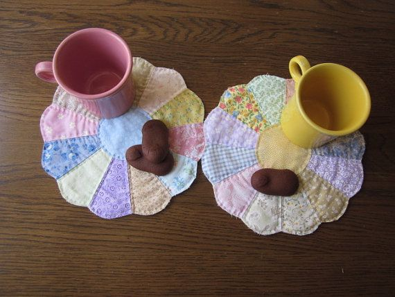 Dresden Plate Quilted Snack Mats  Set Of 2 by thePATchworksshop