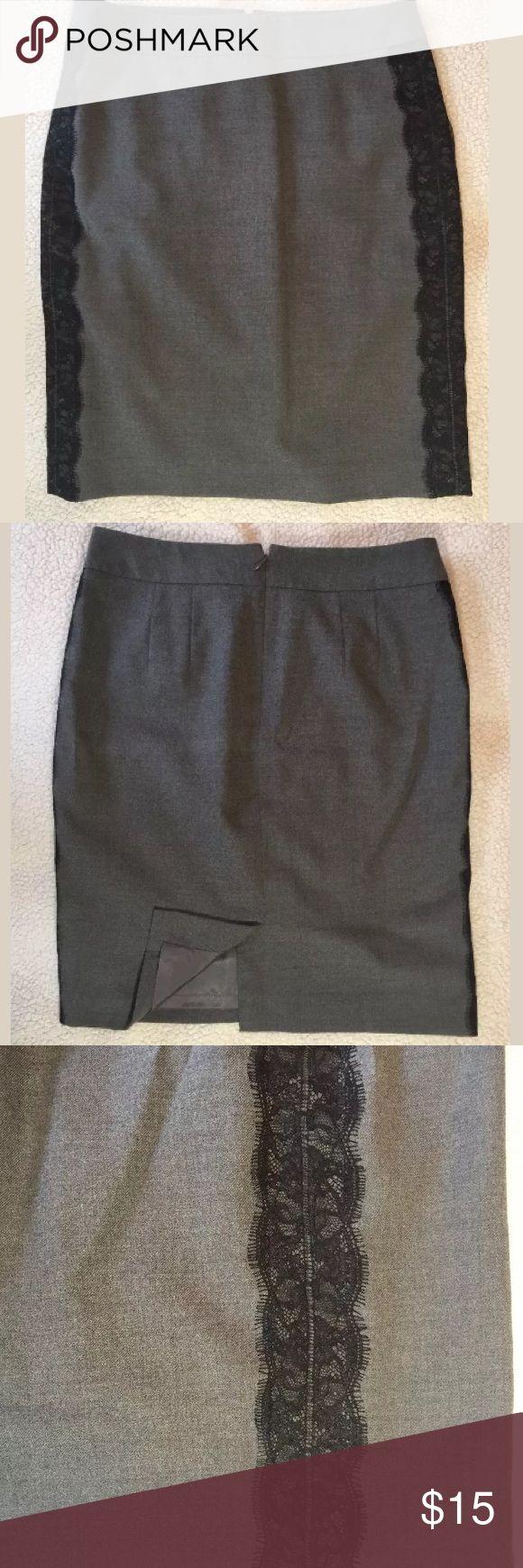 Loft Petite Pencil Skirt Size 2P Lightly worn. In good condition. LOFT Skirts Pencil