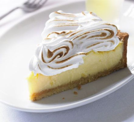Lemon meringue pie - http://bestrecipesmagazine.com/lemon-meringue-pie/